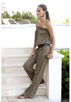 love the jumpsuit even the color! Hot Outfits, Summer Outfits, Fashion Outfits, Women's Fashion, Romper Pants, Jumpsuit Outfit, Comfortable Outfits, Passion For Fashion, Beautiful Outfits