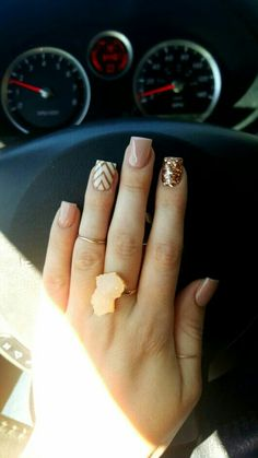 Super Easy Fall Nail Designs for Short Nails – Emani baker Super Easy Fall Nail Designs for Short Nails Rose gold glitter nails chevron Tap the link now to find the hottest products for Better Beauty! Cute Nail Art Designs, Short Nail Designs, Fall Nail Designs, Gold Designs, Chevron Nail Designs, Fancy Nails, Cute Nails, Pretty Nails, Hair And Nails