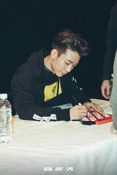 Image about kpop in Ikon by rusyaidahbahirah on We Heart It Chanwoo Ikon, Hanbin, Ikon Kpop, Kim Ji Won, Double B, Popular, My Prince, Daegu, Bobby
