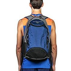 The proven Mizuno volleyball sports backpack comes with a large main compartment, a small compartment at the top and a practical mesh volleyball bag. Mizuno Volleyball, Beach Volleyball, Under Armour, Mesh, Backpacks, Sports, Bags, Hs Sports, Handbags
