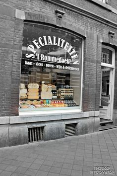 This delicatesan is located in Wyck and has the finest tasting cheese, meat and wines waiting for you.
