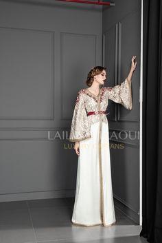 Hijab Evening Dress, Evening Dresses, Moroccan Caftan, Hijab Chic, Traditional Dresses, Fashion Dresses, Girls Dresses, Clothes For Women, Sari