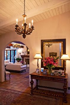 8 Best And Amazing Spanish Style Bedroom Furniture Design Ideas images ideas from Home Inteior Ideas Spanish Style Decor, Spanish Style Homes, Spanish House, Spanish Revival, Mexican Style Homes, Spanish Colonial Decor, Colonial Bedroom, Home Design, Luxury Interior Design