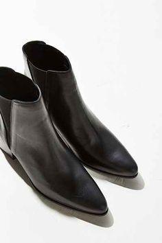 Pola Leather Chelsea Boot