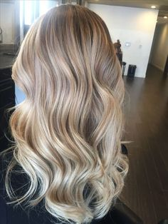 Latest Hottest Haircuts and Blonde for Long Hair; Haircuts with layers; Haircuts with bangs; Trendy hairstyles and colors Women haircuts. - September 14 2019 at Blonde Makeup, Hair Makeup, Blonde Hair Looks, Brown Blonde Hair, Blonde Hair For Pale Skin, Highlights For Blonde Hair, Healthy Blonde Hair, Chunky Highlights, Caramel Highlights