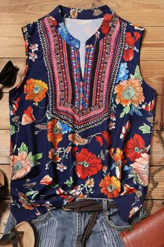 Bohemian Floral Print Paneled V-neck Sleeveless Tank Top - Diorer Winter Outfits, Summer Outfits, Floral Tops, Floral Prints, Thing 1, Types Of Sleeves, Blouses For Women, Going Out, Bohemian