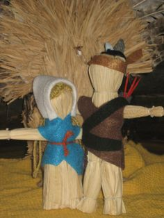 I made these corn husk dolls for Thanksgiving.  My first craft.