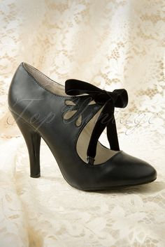 Coco Shoes - 40s Hailee Pumps in Black #topvintage