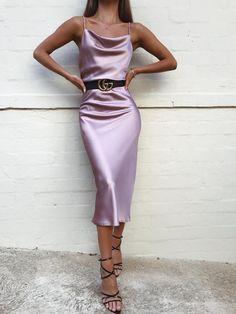 Slip Dress Midi - Rose - Source by michaelzierau - Slip Dress Outfit, Dress Suits, Dress Up, Prom Dress, Dress Girl, Wedding Dress, Bodycon Dress, Cute Dresses, Casual Dresses