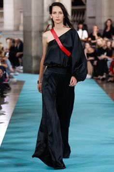 Off-White Spring/Summer 2017 Ready-To-Wear Collection