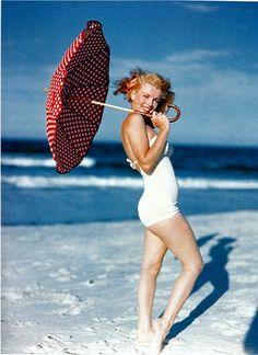Beautiful Photographs of Marilyn Monroe by Andre de Dienes, 1949