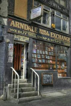 Arndale Book exchange, Shude Hill, Manchester, one of Manchester's older more historic buildings. I Love Books, Books To Read, Home Libraries, Shop Fronts, Book And Magazine, Old Books, Book Nooks, Library Books, Reading Nook