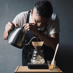 This girl runs on strong coffee and powerful words How To Make Coffee, Making Coffee, V60 Coffee, Barista, Kettle, Coffee Maker, Happy Friday, Entrepreneur, Industrial