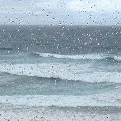 Llueve sobre mojado. Playa de Los Locos. Suances. Catabria. España. Spain. © Laura Junquera