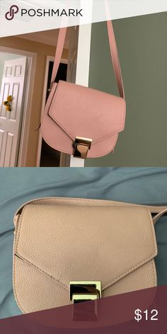 723ae57444 blush pink purse forever 21 blush pink crossbody purse with gold hardware  Forever 21 Bags Crossbody Bags