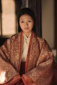 。二階堂ふみ Heian Period, Japanese Outfits, Japanese Clothing, Traditional Kimono, Summer Kimono, Japanese Characters, Young Actresses, Yukata, Drama Movies