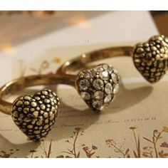 Halse Triple Heart Ring
