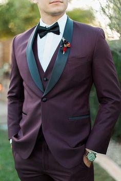 Unique men's suit from Friar Tux | Jenna Joseph Photography
