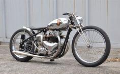 「バイク Bobber カスタム」
