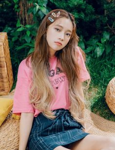 Ulzzang - Fashion - Beauty - Kpop I do NOT post pictures of myself! Clip Hairstyles, Popular Hairstyles, Korean Fashion Trends, Korean Street Fashion, Korean Hairstyles Women, Japanese Hairstyles, Asian Hairstyles, Redhead Hairstyles, Moda Ulzzang