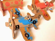aviões com rolo de papel higiênico