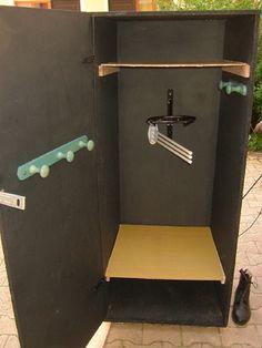 storage locker Casier rangement - Art Of Equitation Tack Locker, Locker Storage, Rangement Art, Tack Box, Tack Trunk, Horse Barn Plans, Hobby Horse, Horse Tips, Horse Riding