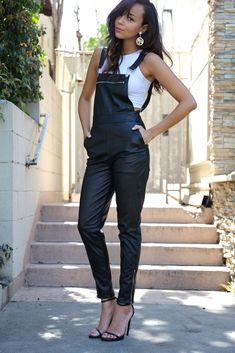 me/jessicasirls overalls fashion leather What Wear - What are some outfit ideas for a hot summer night out? Overalls Fashion, Overalls Women, Overalls Style, Leather Overalls, Black Dungarees, Leather Jumpsuit, Black Jumpsuit, Street Style Blog, Overall Shorts