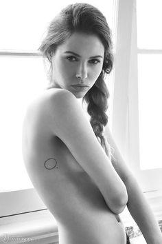 Shauna Sieger by Kelly Defina for Fashionising.com circle tattoo