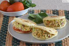 Beet and mackerel salad - Healthy Food Mom Healthy Salads, Healthy Eating, Mackerel Salad, Gourmet Recipes, Healthy Recipes, Brunch, Latin Food, Barbacoa, Salmon Burgers