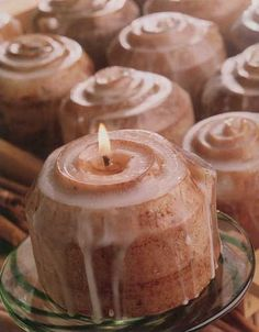 sells Scent-A-Buns, candles that look and smell like real cinnamon buns! Candle Making At Home, Candle Making Business, Candle Making Supplies, Making Candles, Diy Candles Scented, Homemade Candles, Cute Candles, Best Candles, Soy Candles