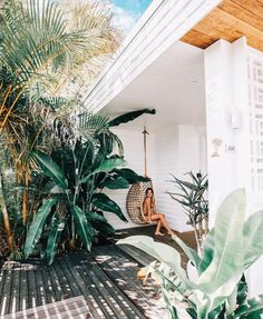 Tropical Home :: Paradise Style :: Living Space :: Dream Home :: Interior + Outdoor :: Decor + Design :: Free your Wild :: Tropical Island Home Style Inspiration Design Room, Design Patio, House Design, Interior Exterior, Home Interior, Exterior Design, Surf Shack, Beach Shack, Outdoor Spaces