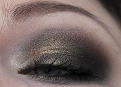 NARS Mekong Makeup http://www.magi-mania.de/nars-mekong-eyeshadow/