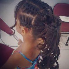 E Hoje foi dia de Trabalho!!! Penteado Infantil na Escovaria!!! #penteadoinfantil #penteadocomtranca #escovariadonnabi