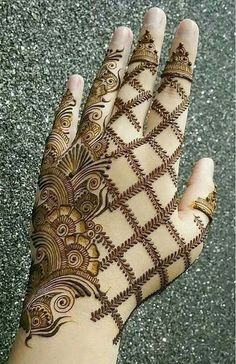 Beautiful Mehndi Design - Browse thousand of beautiful mehndi desings for your hands and feet. Here you will be find best mehndi design for every place and occastion. Quickly save your favorite Mehendi design images and pictures on the HappyShappy app. Easy Mehndi Designs, Henna Hand Designs, Dulhan Mehndi Designs, Latest Mehndi Designs, Mehandi Designs, Bridal Mehndi Designs, Mehendi, Mehndi Designs Finger, Mehndi Designs For Girls