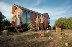 Carrie and Shane of Santa Fe, NM have built their own tiny house on wheels that is towed like a wheel. The home is modern and clean with an incinerating toilet and no loft. Modern Tiny House, Tiny House Living, Tiny House Plans, Small Living, Living Spaces, Home Design, Large Homes, Tiny Homes, Mls Homes