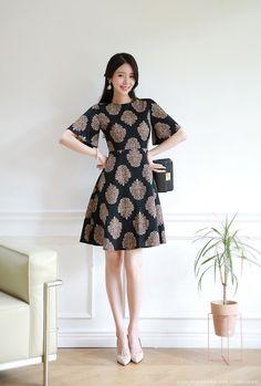 Romantic & Trendy Looks, Styleonme Simple Dresses, Casual Dresses For Women, Short Dresses, Dresses With Sleeves, Batik Fashion, Korean Dress, Batik Dress, Asian Fashion, Women's Fashion