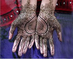 Love those palms! Great mehndi design :)
