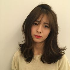 22 Perfect Medium Length Hairstyles for Thin Hair in 2019 - Style My Hairs Permed Hairstyles, Pretty Hairstyles, Medium Hair Styles, Curly Hair Styles, Korean Medium Hair, Ulzzang Hair, Square Face Hairstyles, Hair Reference, Girl Short Hair