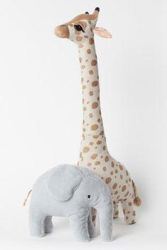 Grande peluche - Beige/girafe - Home All Giraffe Nursery, Safari Nursery, Animal Nursery, Giraffe Toy, Sky Nursery, Nursery Rocker, Nursery Toys, Large Stuffed Animals, Dinosaur Stuffed Animal