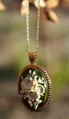 Jewelry Giveaway ends 12/17/11/beautiful