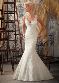 STUNNING ALENCON LACE SATIN MERMAID V-NECK NATURAL WAISTLINE WEDDING DRESS FORMAL PROM PARTY BALL GOWN