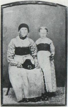 Bäuerinnen aus der Gegend um Miesbach, Photographie um 1855 #Miesbach