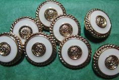 """8 - 15/16"""" CREAMY WHITE & GOLD PLASTIC SHANK BUTTONS - LOT#507"""