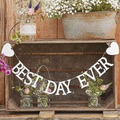 Rustic Country Ginger Ray: Wooden garland best day ever - houten slinger best day ever. Shop wedding trend Rustic Woodsy decorations / Shop bruiloft trend rustieke decoratie: www.weddingdeco.nl/collecties/rustic-country
