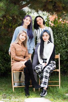 "Mamamoo Thailand ""[Naver x Dispatch] Kpop Girl Groups, Korean Girl Groups, Kpop Girls, Korean Pop Group, K Pop, Mamamoo Moonbyul, Solar Mamamoo, K Idols, South Korean Girls"