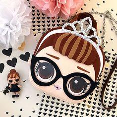 НОВИНКА! Детские сумочки в стиле DOLL L.O.L Fabric Dolls, Paper Dolls, Miraculous Ladybug Anime, Art N Craft, Lol Dolls, Baby Store, Kids Bags, Diy Accessories, Gift Store