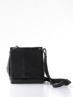 Fendi Crossbody Bag 63% off retail #preowned #luxeforless #classic @thredup