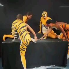Funny Dogs, Funny Memes, Hilarious, Jokes, Wow Video, Images Gif, Life Images, Body Painting, Painting Art