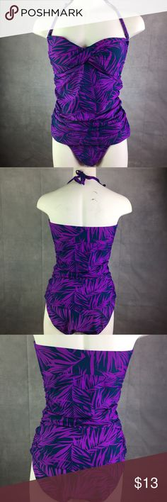 Women's Old Navy Size M Thin Strap 1 PC Swimsuit Women's Old Navy Size Medium Thin Strap One Piece Swimsuit. Pre-Owned. Purple. Old Navy Swim One Pieces
