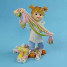 My Little Kitchen Fairies - Girl Fary Pulling Taffy
